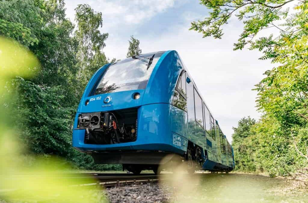 Diesel Engine Giant Cummins Plans Hydrogen Future–With Trains Coming Before Trucks