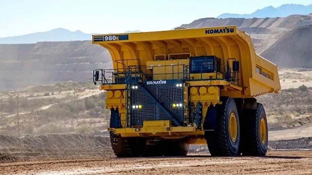 Komatsu aims for lead in hydrogen-powered mining trucks